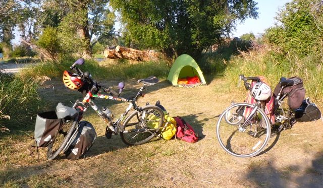 Therma-Rest-2-Bikes-tent