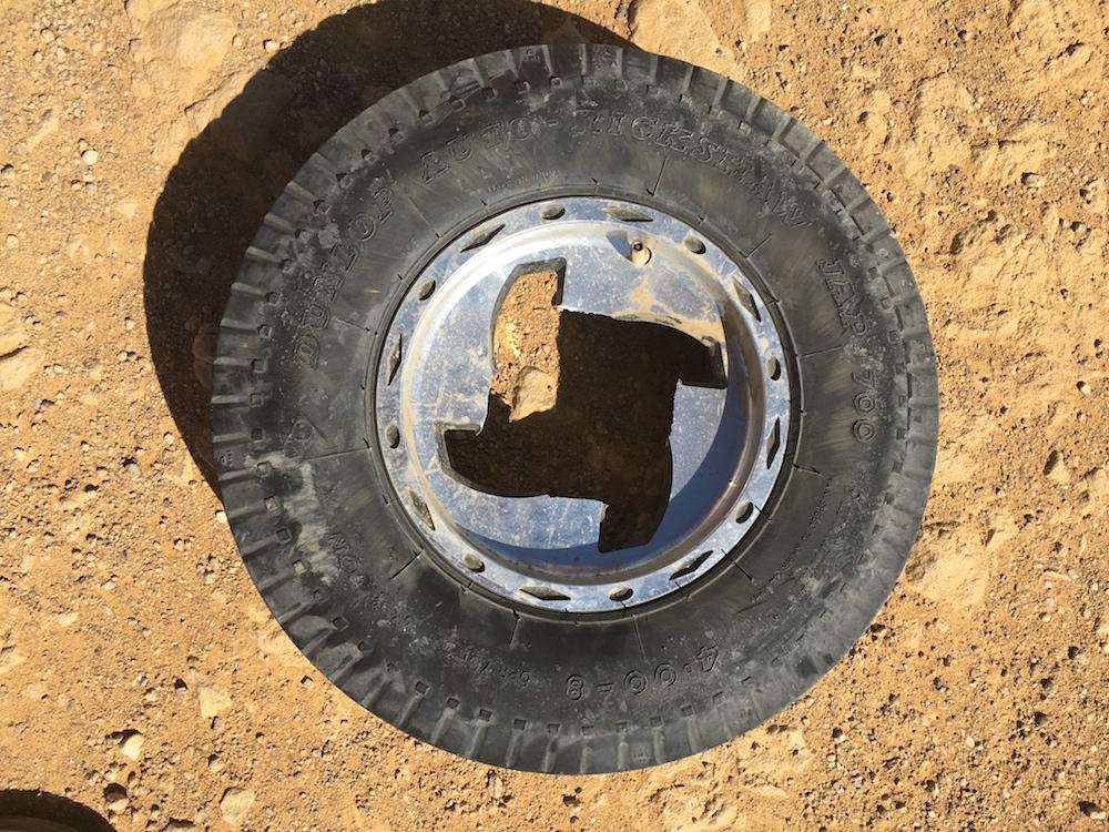 08broken wheel