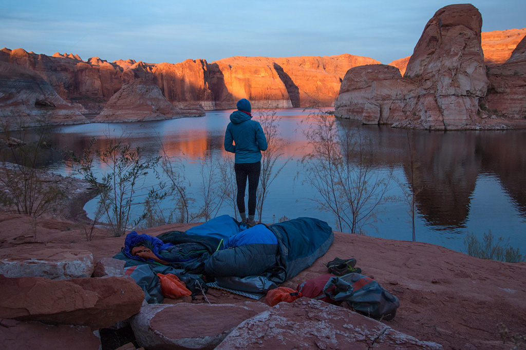 setting up camp on Lake Powell in Winter