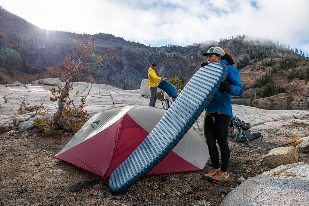 inflating air sleeping pad