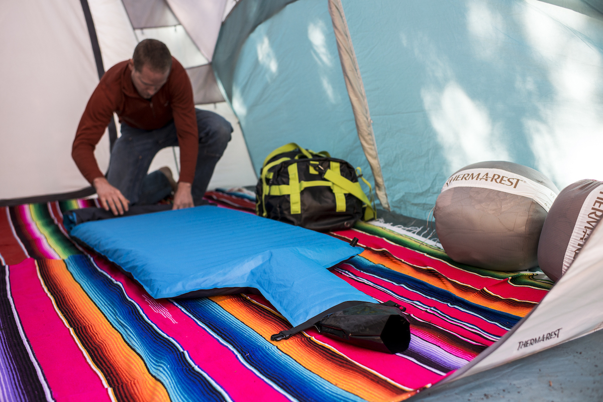 Packing up the NeoAir Camper SV. Photo: Ben Lindbloom