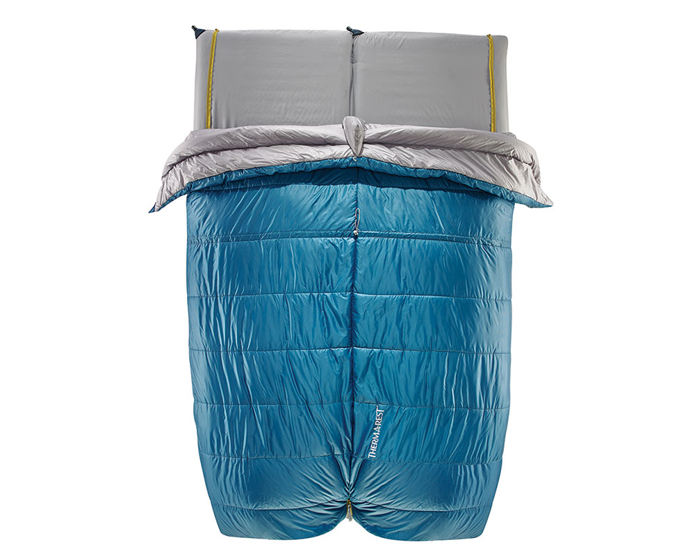 The Ventana Duo sleeping bag set up as a two person system.