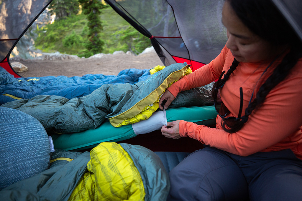 sleeping pad and sleeping bag connection