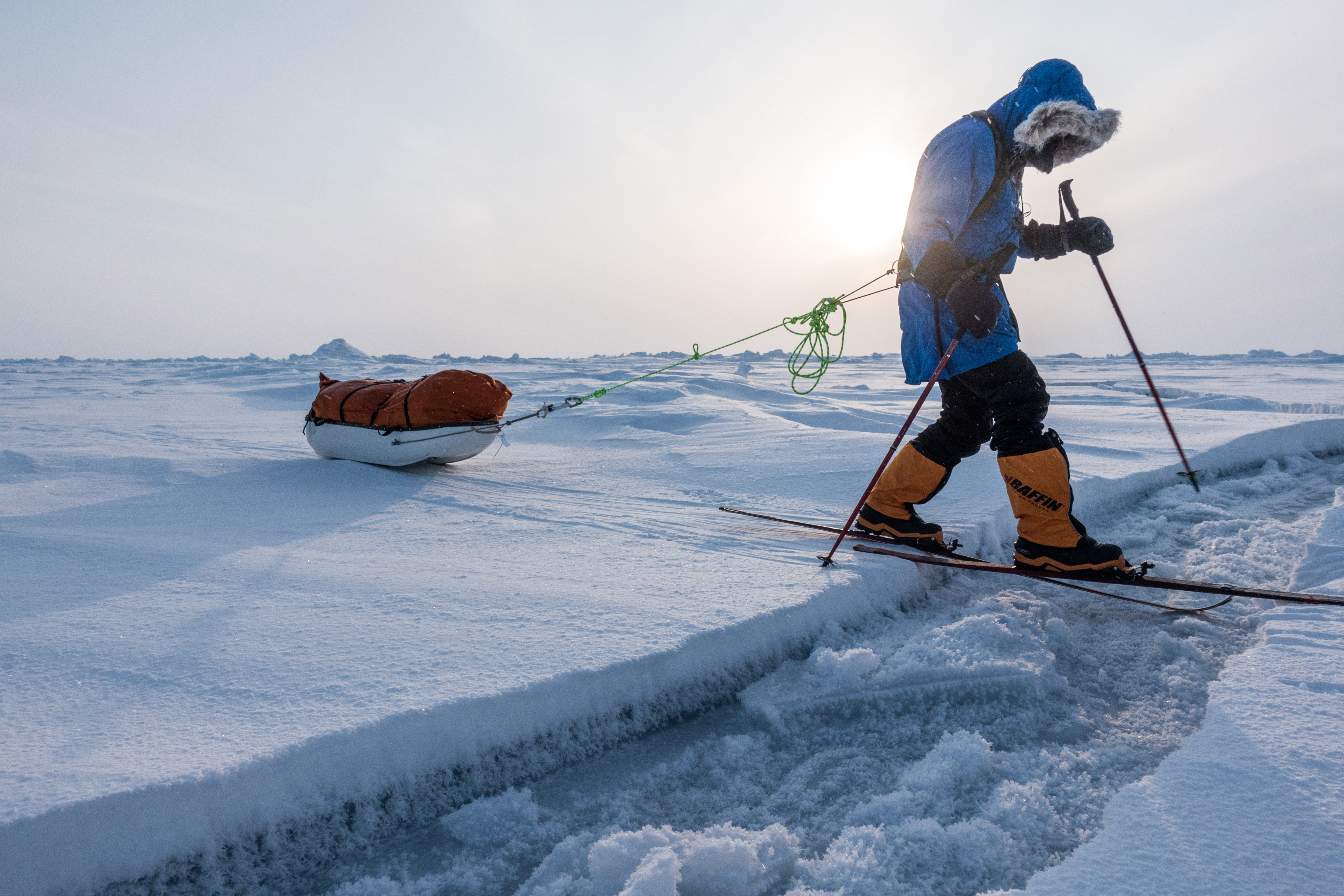Polar Expeditions crossing frozen cracks on the Arctic Ocean