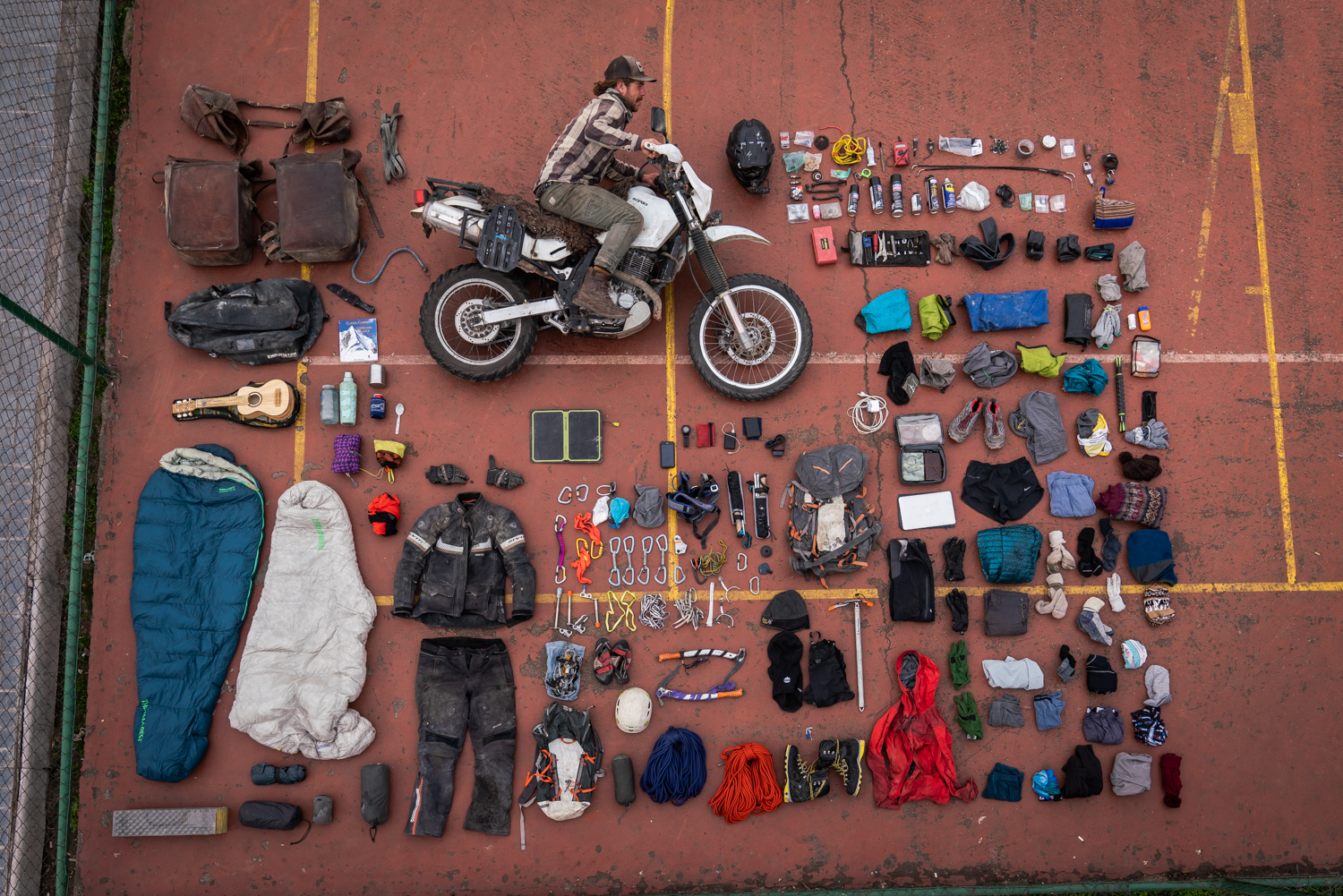 Gear list for ultralight mountaineering expeditions
