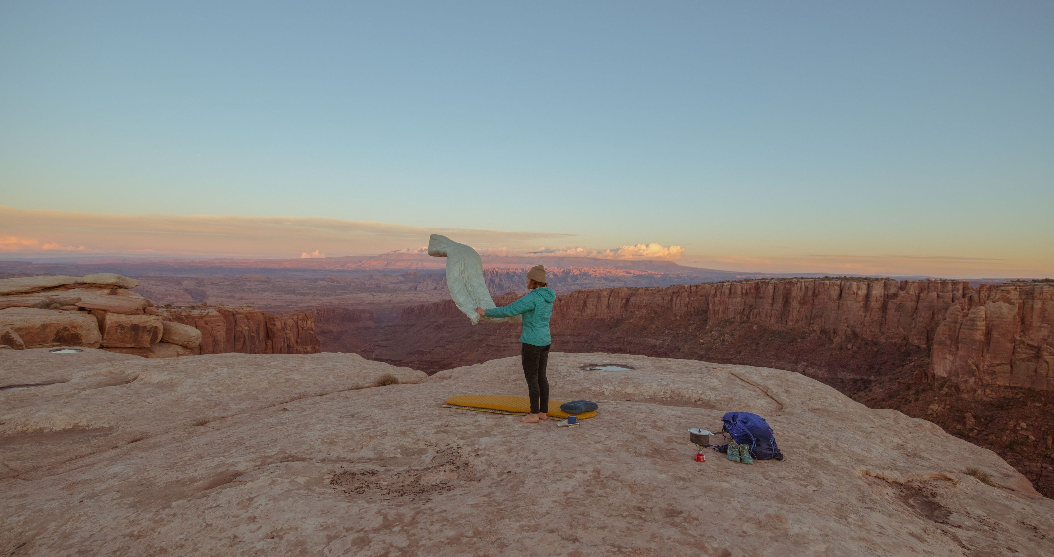 camping in the desert with camping quilt and sleeping pad