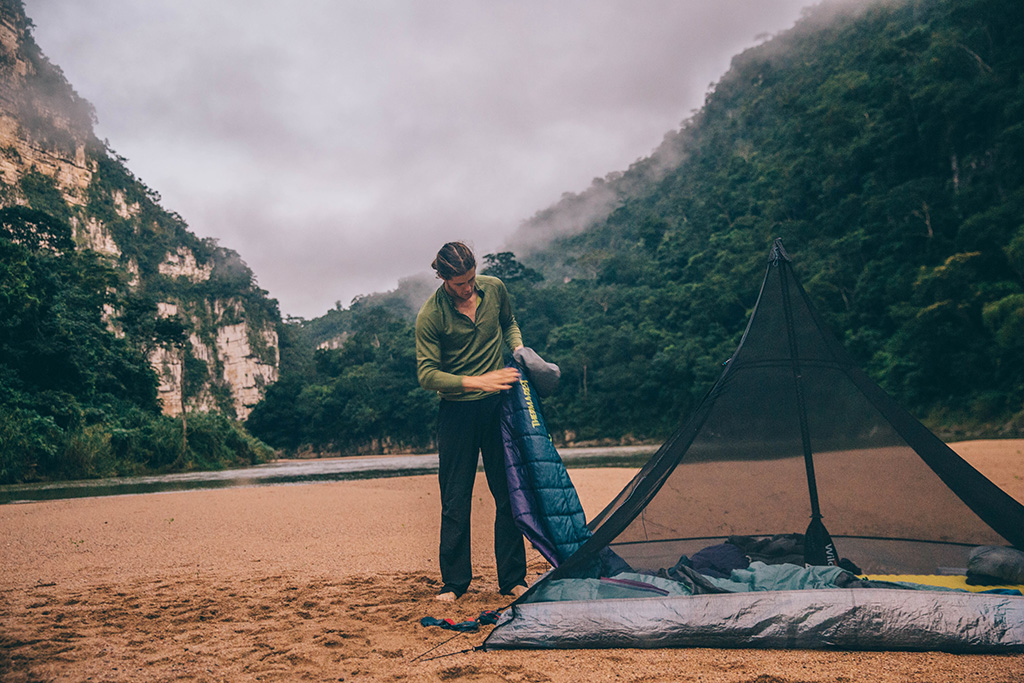 minimalist tent to lighten backpacking pack weight