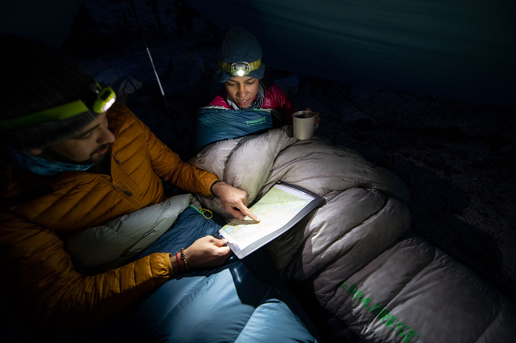 layering sleeping bag with backpacking quilt