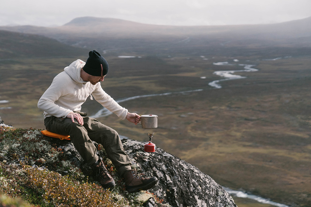 cooking on mountain with ultralight stove