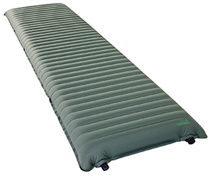 13219_thermarest_neoair_topo-luxe_balsam_regular_angle